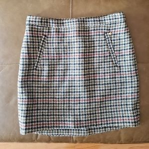 J Crew 100% wool houndstooth plaid skirt Size 2